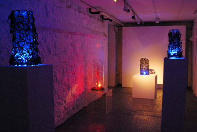 Samantha McKee: The Endgame, 2008, seaweed, blue bulbs, of variable sizes, installation view.